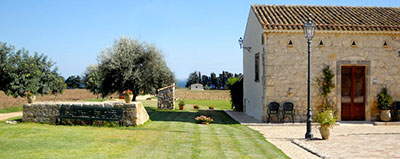 Estate in agriturismo 10 location incantevoli tra le - Agriturismo avola con piscina ...